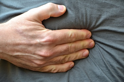 Bei Bauchschmerzen rechtzeitig zum Arzt